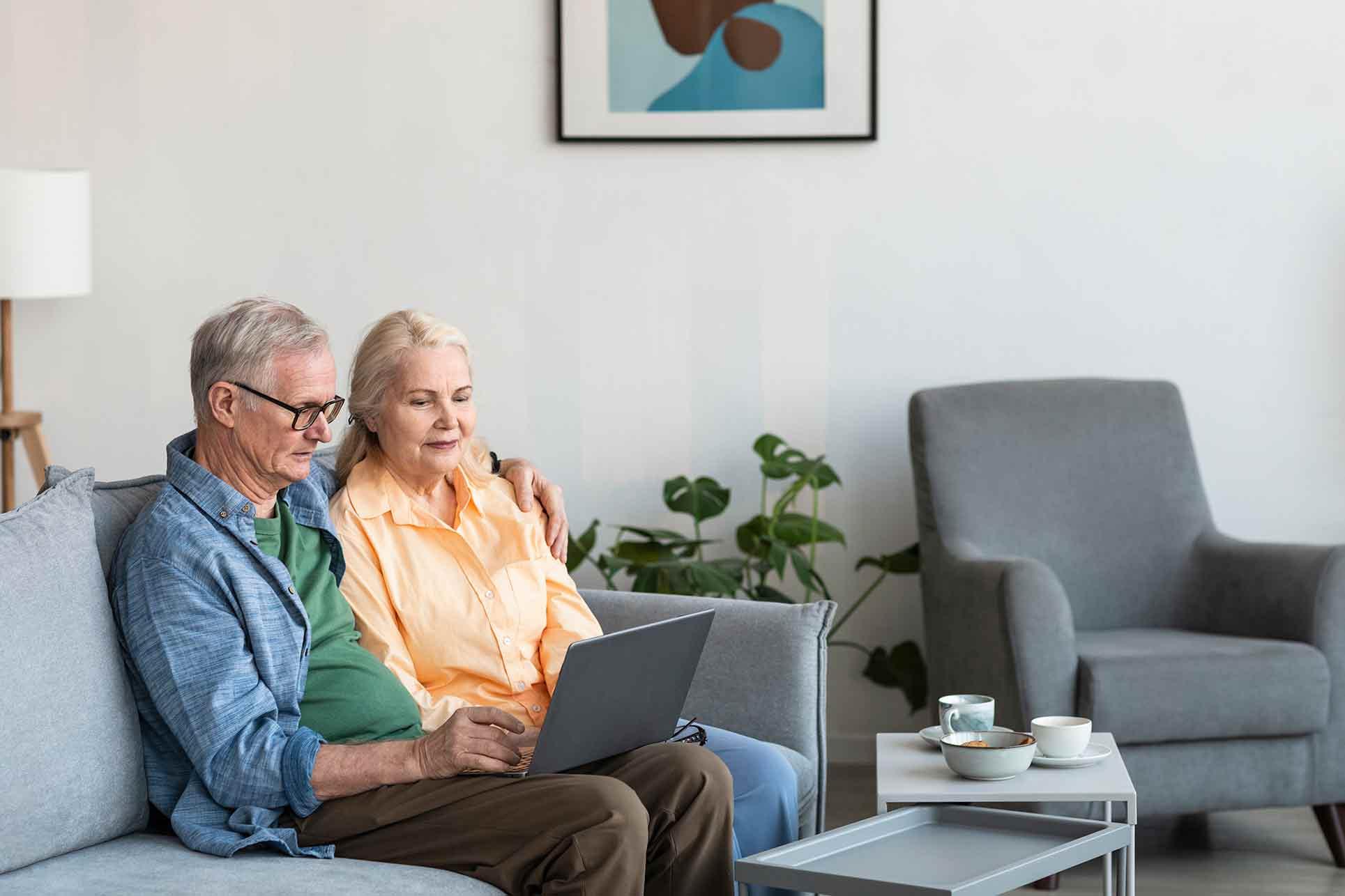 mayores de 65 con simulador de hipoteca y préstamo